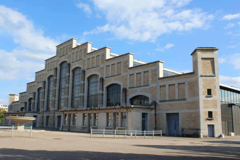 La Halle Tony Garnier, une salle de concert mythique à Lyon